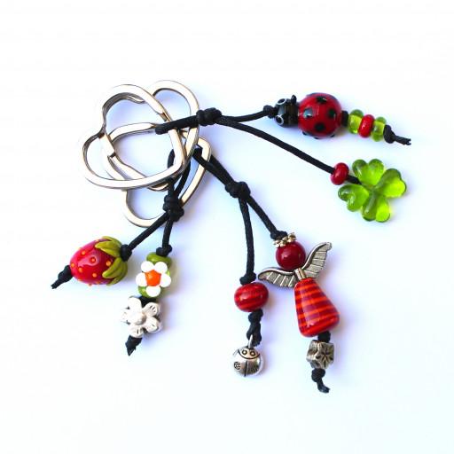 Rote Schlüsselanhänger mit Marienkäfer, Erdbeere und Engel